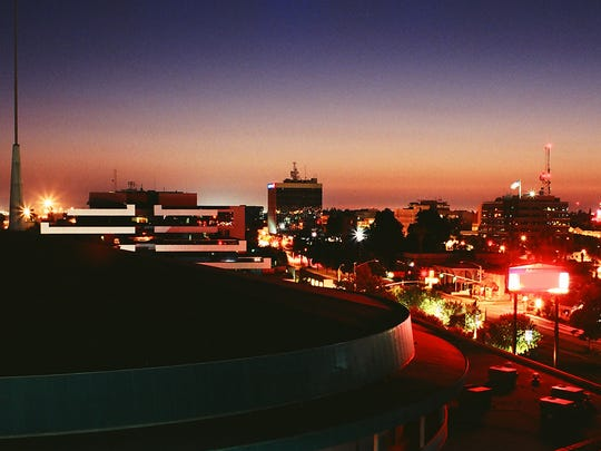 bakersfield-california-night.jpg