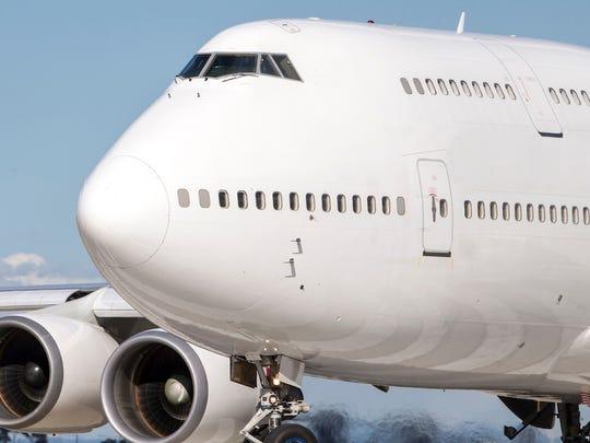 boeing-747-airplane.jpg