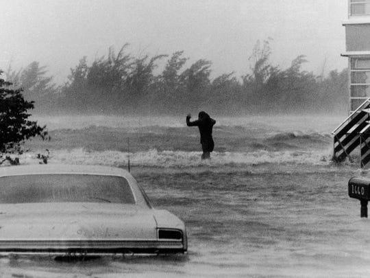 hurricane-betsy.jpg