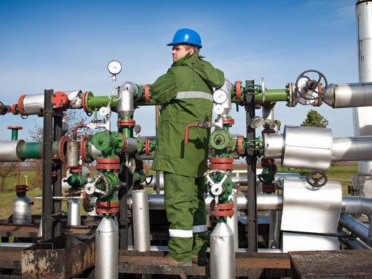 petroleum-pump-system-operators-refinery-operators-and-gaugers1.jpg