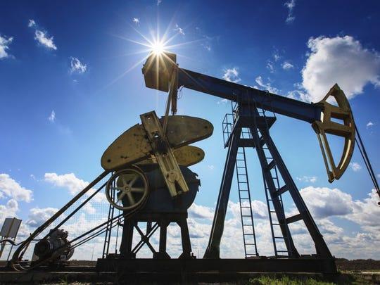 oil-pump-gas-well-e1450124737964.jpg