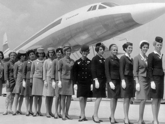 1976 A Concorde jets and staff.