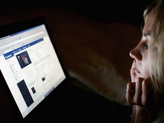 facebook-late-at-night.jpg