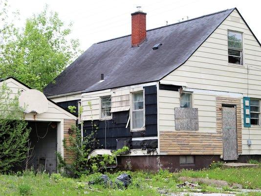 flint-michigan-abandoned-house.jpg