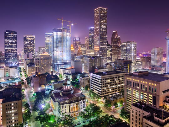 houston-texas-at-night.jpg