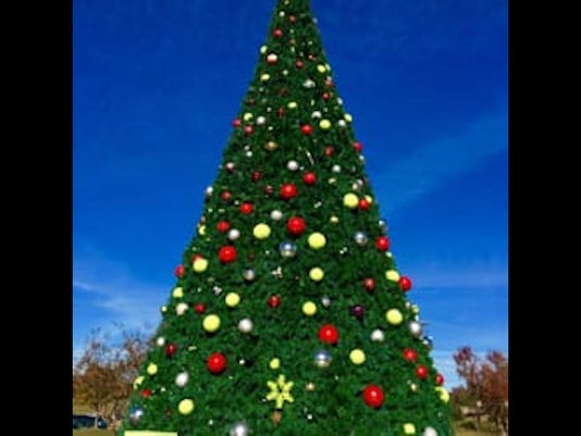 vicksburg-mississippi-christmas-tree.jpg