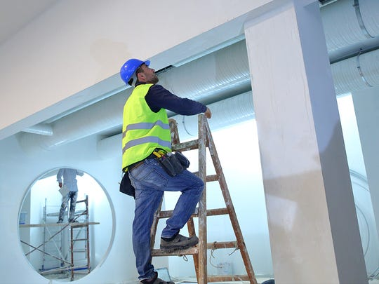 Painters, construction and maintenance