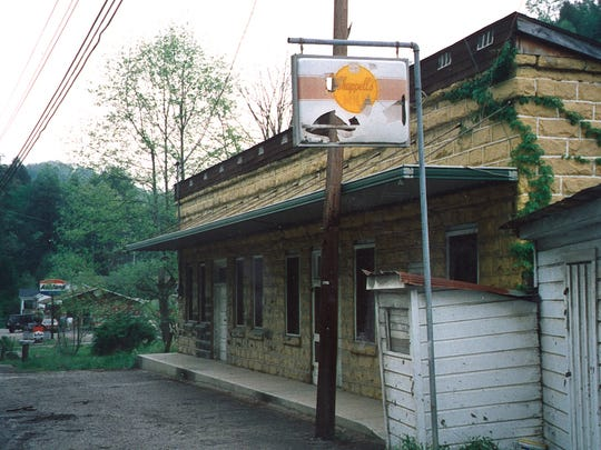 8. Leslie County is located in Kentucky's Eastern Coal Field region.