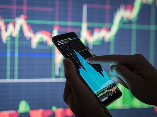 U.S. stocks moved broadly higher in early trading on Friday, May 3, 2019, and are on track to bounce back after a two-day slide.