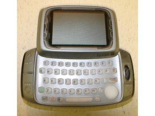 T-Mobile Sidekick– 2002