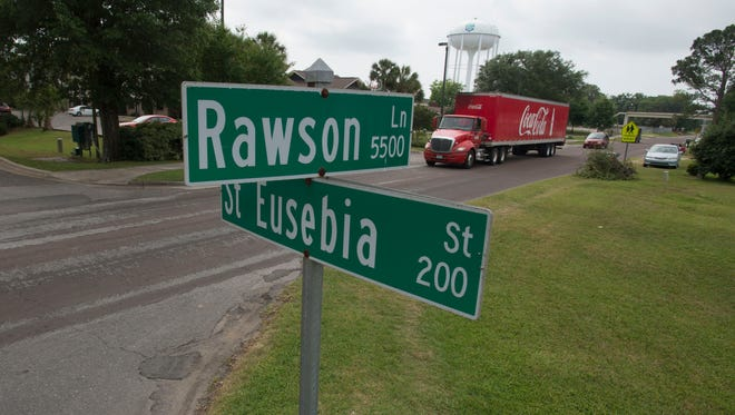 Pensacola Christian College is again asking the Escambia County Board of County Commissioners to consider turning over a portion of Rawson Lane to the college.