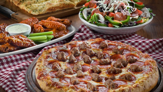 Barro's Pizza offers hearty dishes and lunch combos for the family.