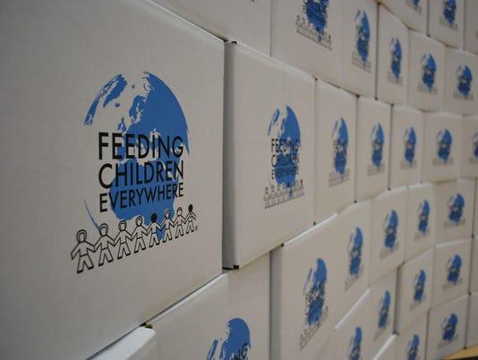 635641893937881631-feeding-the-children