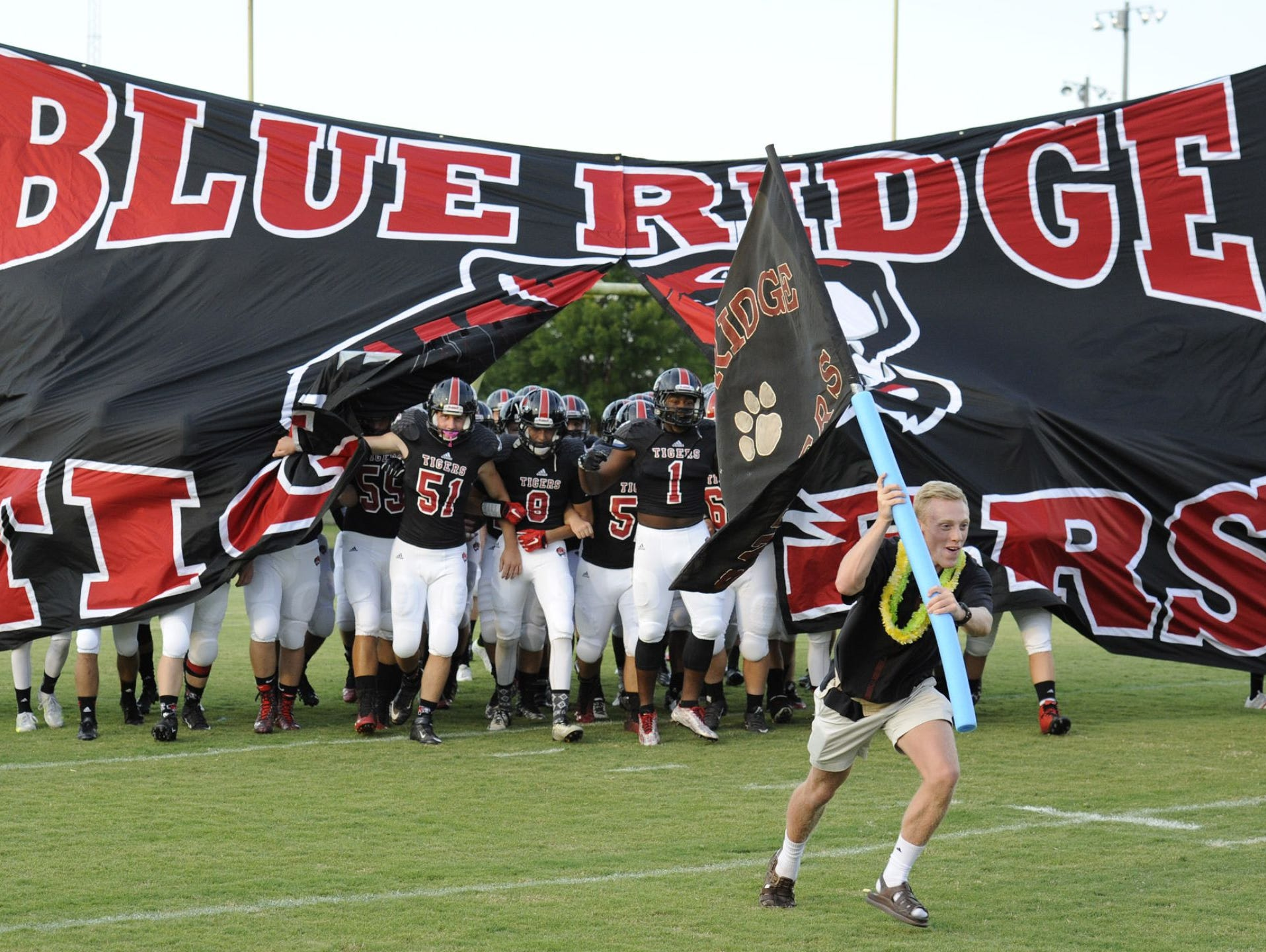 The Emerald at Blue Ridge football game has been moved to tonight at 7 because of the impending inclement weather.
