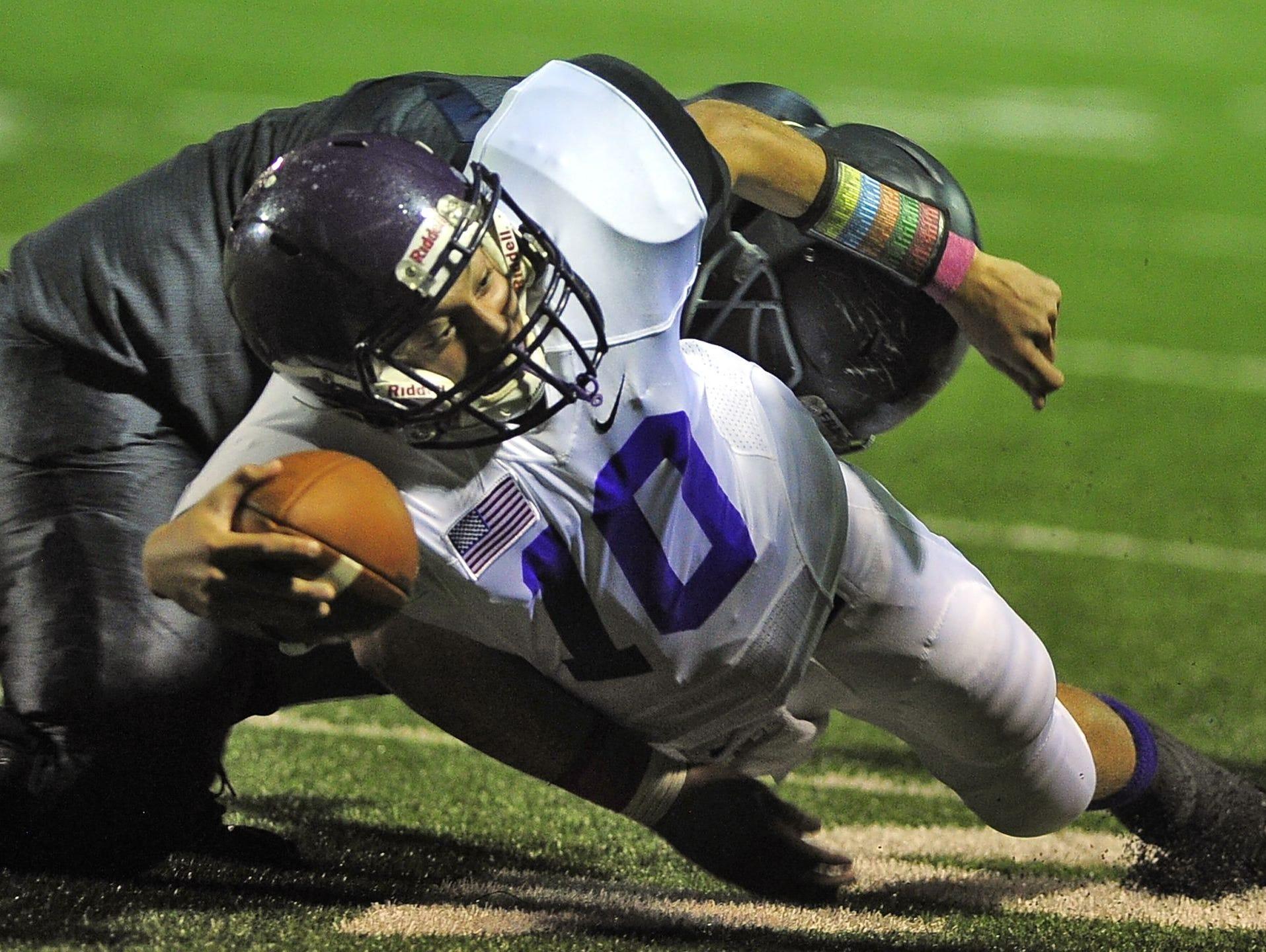 Lipscomb quarterback John Merritt (10)
