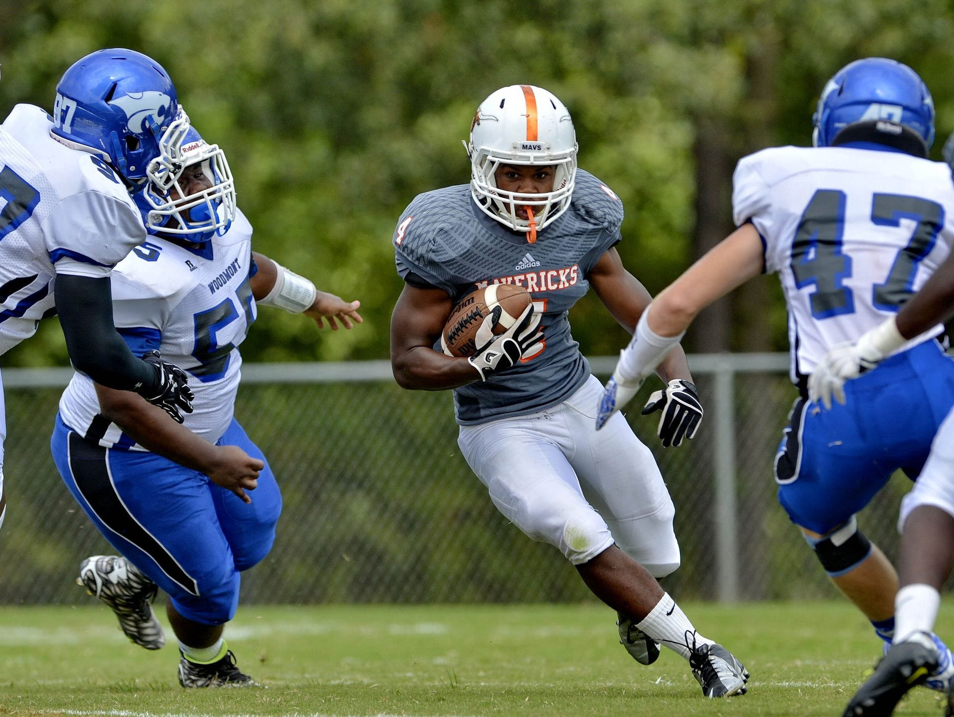 Junior runnning back Averius Blakely (4) and the Mauldin Mavericks will play on the road Friday night against No. 3 Spartanburg.