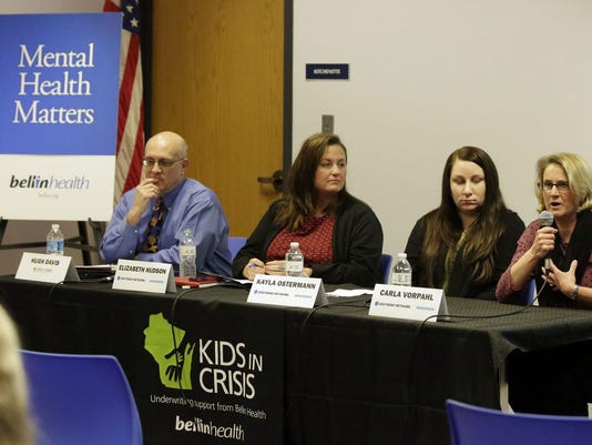 635931581199206458-635931529329858858-she-n-Kids-in-Crisis-panel-Sheboygan0309-gk-01.JPG