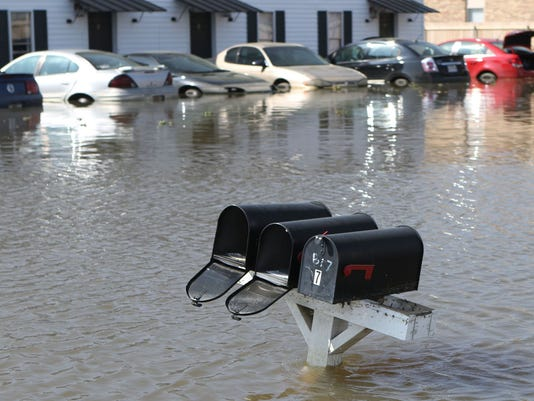 635941657660554942-flooding.jpg