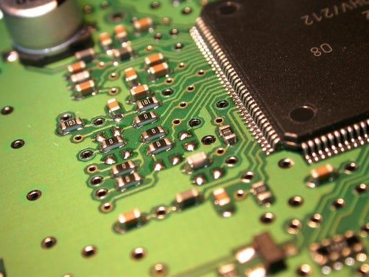 636214812212512799-circuit-board-1-1242610-1920x1440.jpg