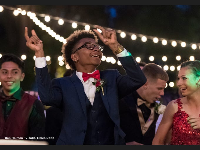 Tulare students attend the 2018 Prom at Country M Ranch