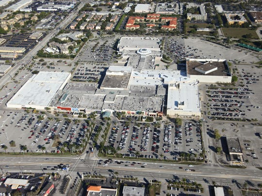Edison Mall aerial showing the buildinga and parking lots near the corner of U.S. 41 and Colonial Boulevard in Fort Myers.
