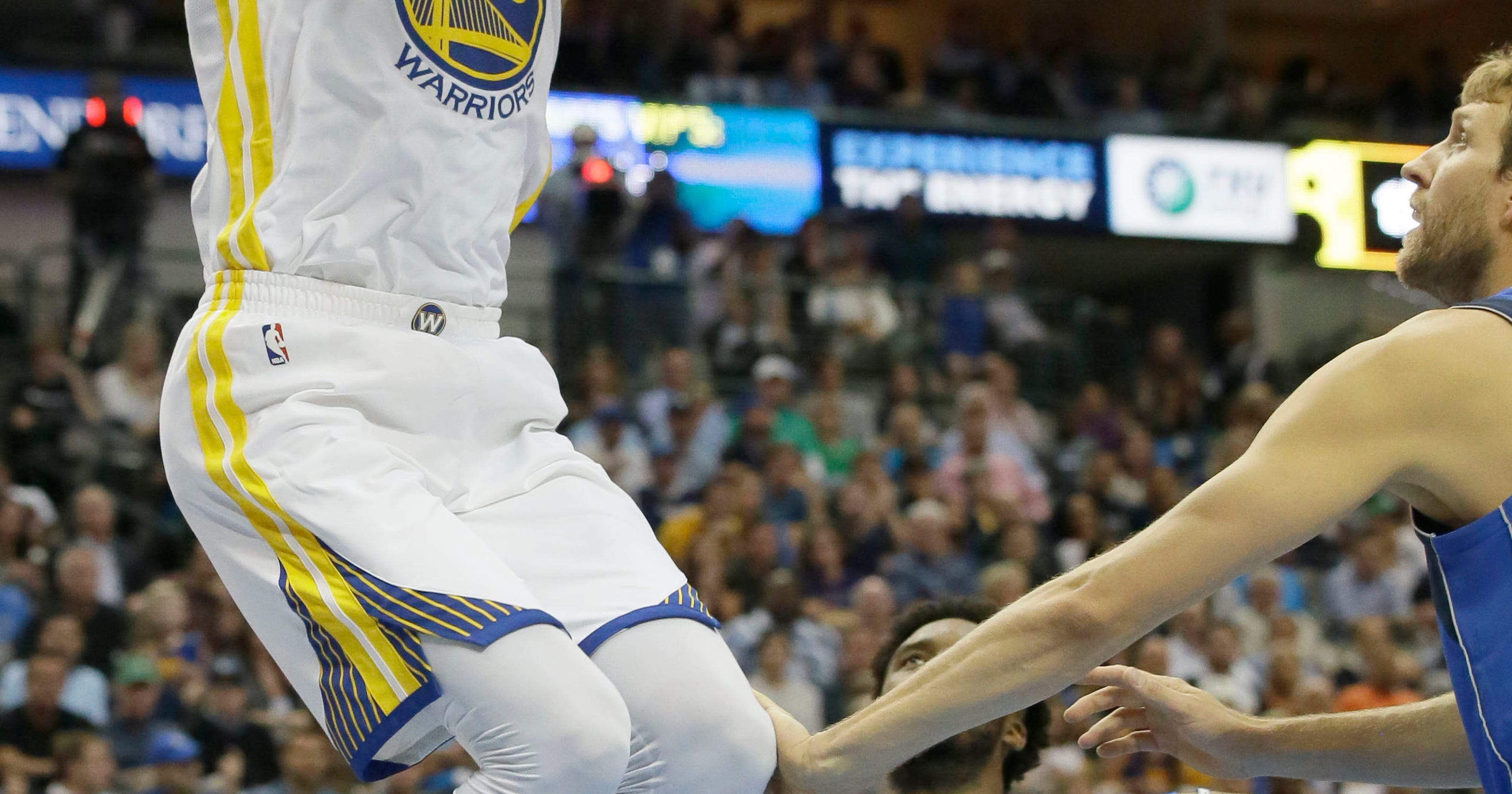 fb02e61e07a Everything s cool  Warriors pull away from Mavs