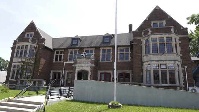 Washington Hall and former Eagles Club on Washington Avenue is undergoing renovations in Oshkosh.