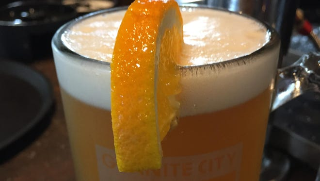 Peel Off is a summer white ale with hints of coriander, camomile and orange.