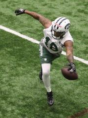 Wide receiver ArDarius Stewart misses this pass during Rookie Camp.