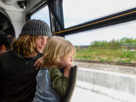 199 Ride Green Bay >> Hundreds line up Saturday to ride new MAX system