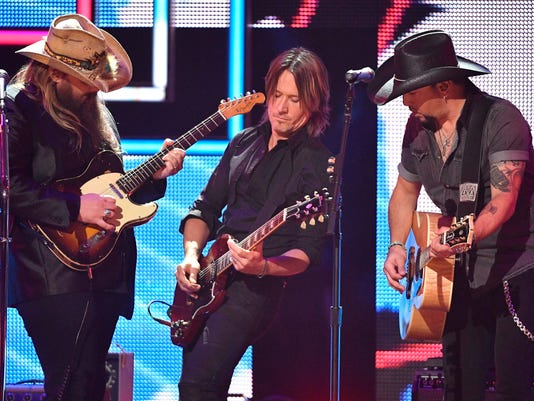 USP ENTERTAINMENT: 2017 CMT ARTISTS OF THE YEAR A USA TN