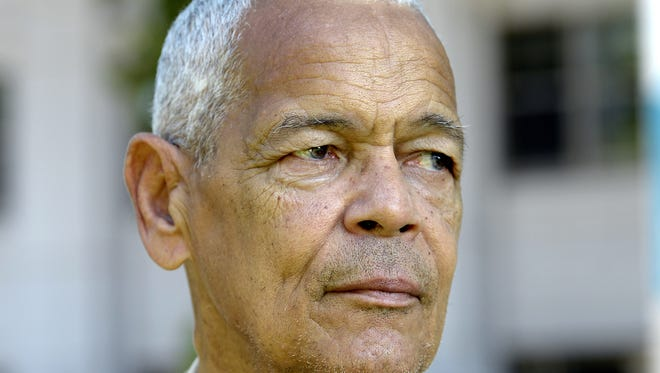 Julian Bond 2013 file photo by H. Darr Beiser,  USA TODAY Julian Bond died Saturday night, after a brief illness. 8/26/13 2:11:51 PM -- Washinton, DC  -- Capital Download -- Julian Bond   Photo by H. Darr Beiser, USA TODAY staff ORG XMIT:  HB 130022 Capital Download 08/2 (Via OlyDrop)