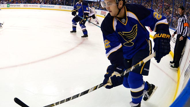 St. Louis Blues defenseman Kevin Shattenkirk controls the puck against the Chicago Blackhawks during the first period Saturday.