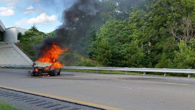 Del. 1 car fire