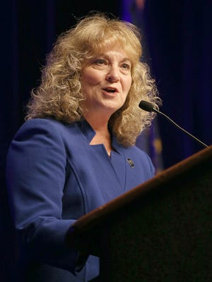 At the end of the last fundraising quarter, incumbent Glenda Ritz had nearly eight times the amount of cash on hand as challenger Jennifer McCormick.