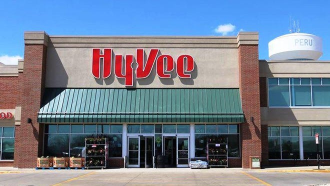 The Hy-Vee supermarket is giving away 3,800 apples Tuesday, a response to the coronavirus pandemic.