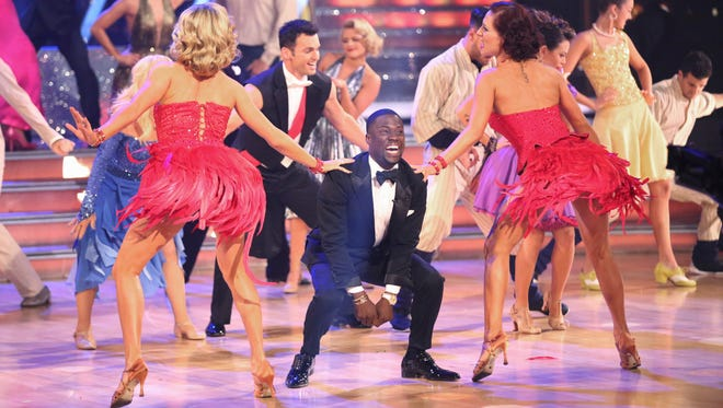 """Kevin Hart makes a guest appearance on """"Dancing With the Stars."""""""