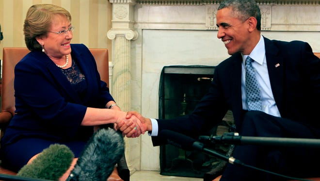 President Obama meets with Chile President Michelle Bachelet in the Oval Office.