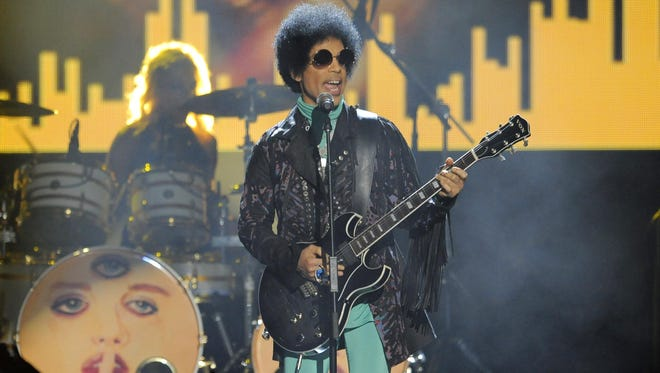 Prince performs at the Billboard Music Awards on May 19, 2013.