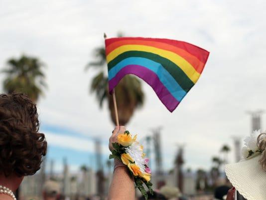 636455032071178121-pride-parade038.JPG