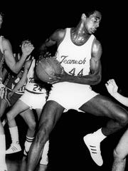 Teaneck's Tony Campbell scored 16 points last night as the Highwaymen remained unbeaten with a 59-37 victory over Clifton on Jan. 8, 1979.