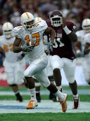 Former Tennessee wide receiver C.J. Fayton, shown making a play in the 2005 Cotton Bowl, has been named director of VFL programming.