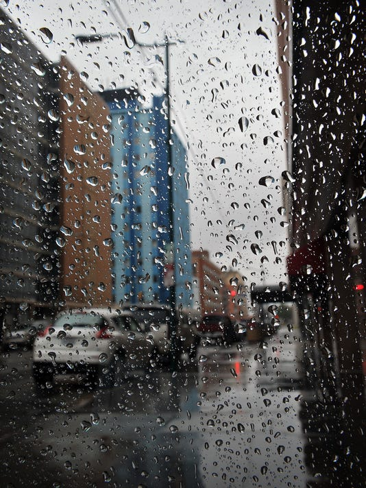 636422081977608656-Downtown-Raindrops.jpg