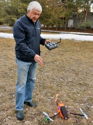 Rob Jahnke explains some of the features of his tricopter