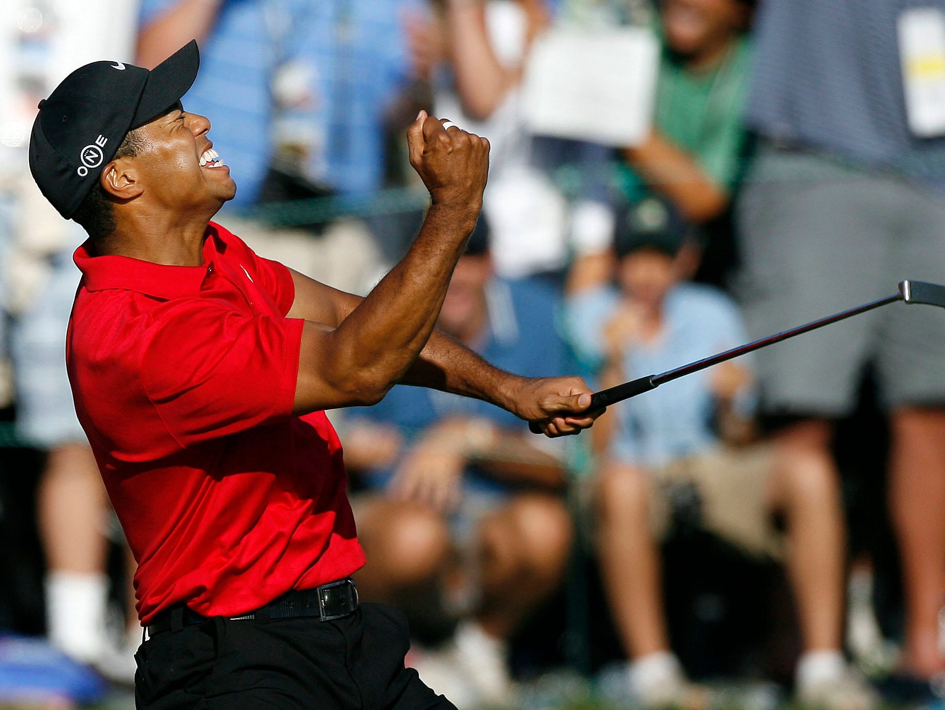 tiger woods u0026 39  yacht offers little privacy during u s  open week