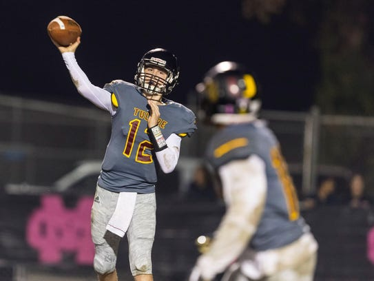 Tulare Union sophomore quaterback Nathan Lamb fires