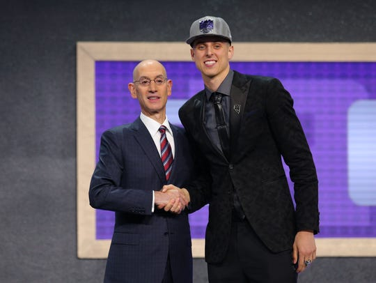 Zach Collins is introduced by NBA commissioner Adam