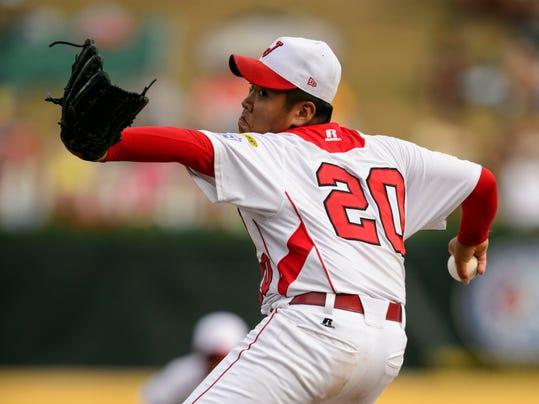 Ryutarro-Takeo-pitches-8-21-13