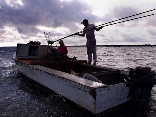 635988423324096449-apalachi-seafood-workers.jpg