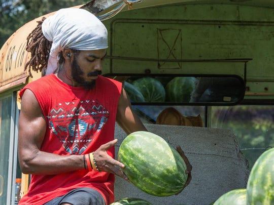 20150804rm_Watermelon_Trucks-5